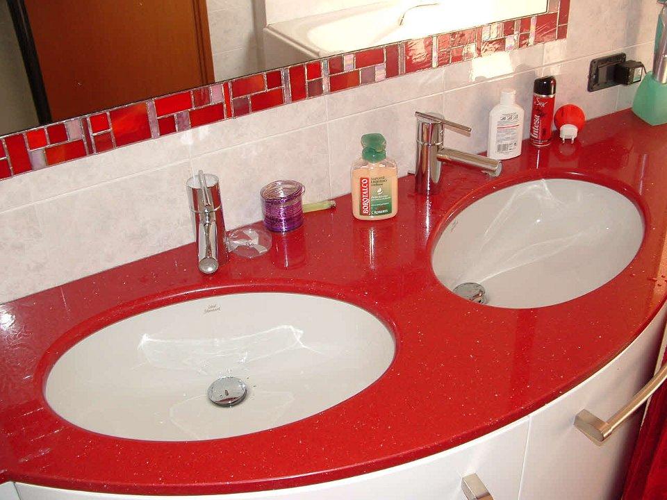 Bagno laccato rosso for Bagno rosso